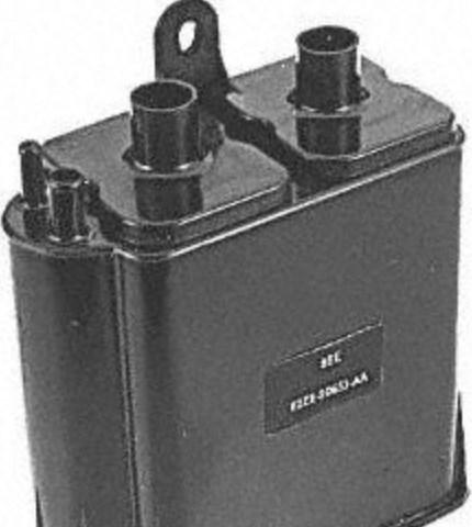 علبة المفحمة في السيارة (منظم ضغط الوقود ضمن خزان الوقود)