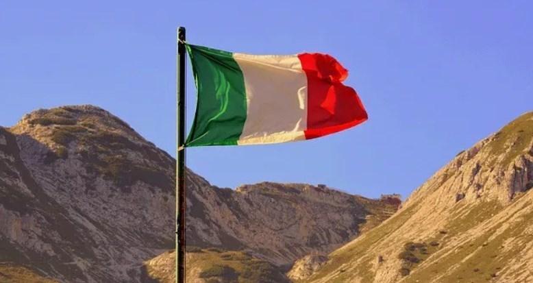 منحة لجامعة إيواف الإيطالية – البندقية 2019