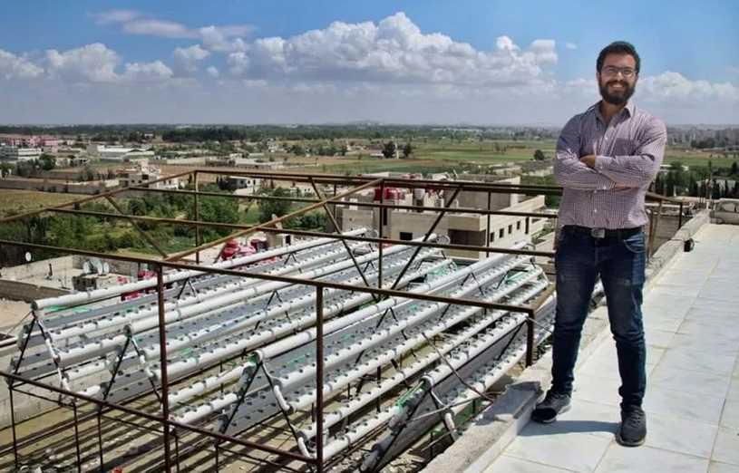 طالب سوري يؤسس مزرعة من دون تراب !